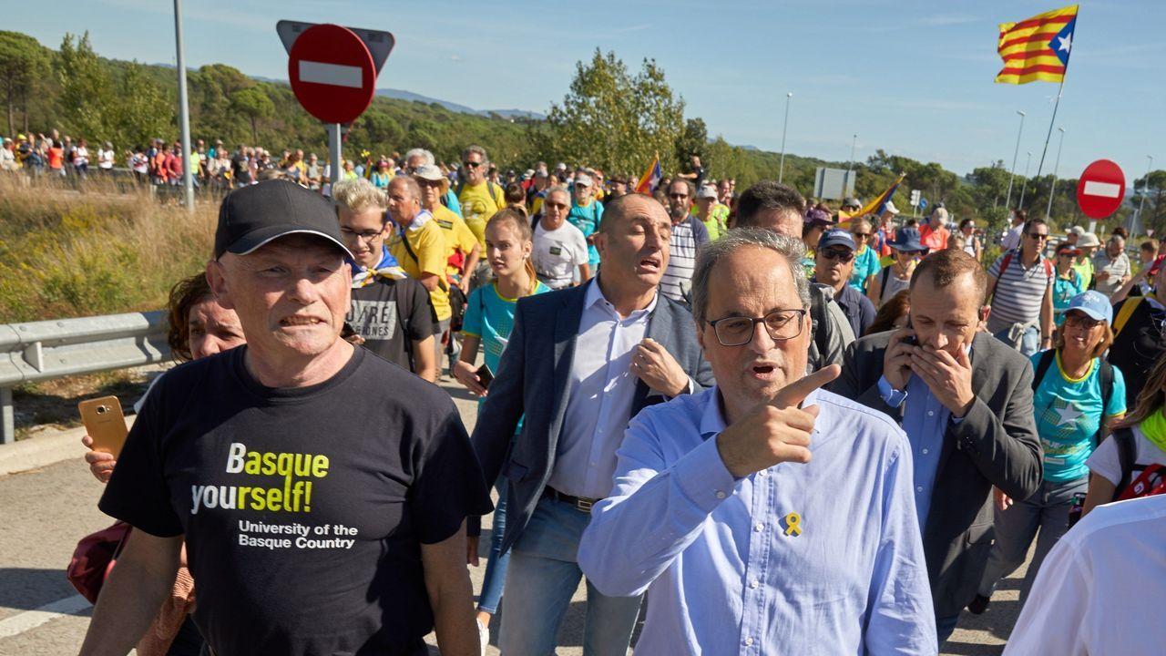 Nueva jornada de movilizaciones en las calles de Barcelona.Torra participó junto con Ibarretxe en un corte de la AP-7 en Gerona