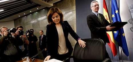 Sáenz de Santamaría y Ruiz-Gallardón, ayer en la rueda de prensa tras el Consejo de Ministros.