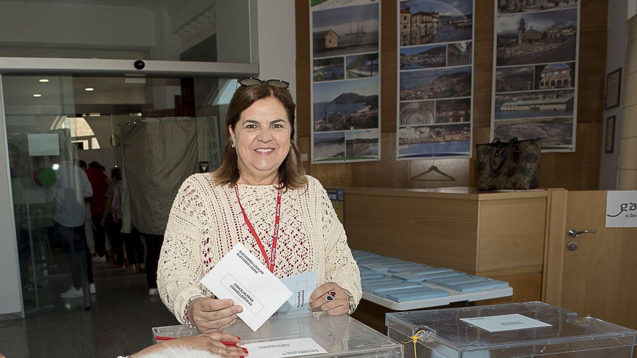 José Aspérez valora los resultados en Meaño.Inés Rey, en la plaza Maestro Mateo, en A Coruña