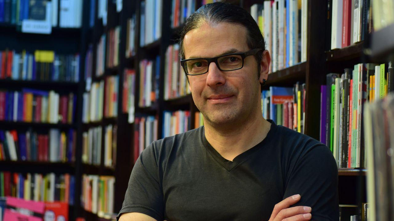 La novela de Mellado se estructura en 99 compases
