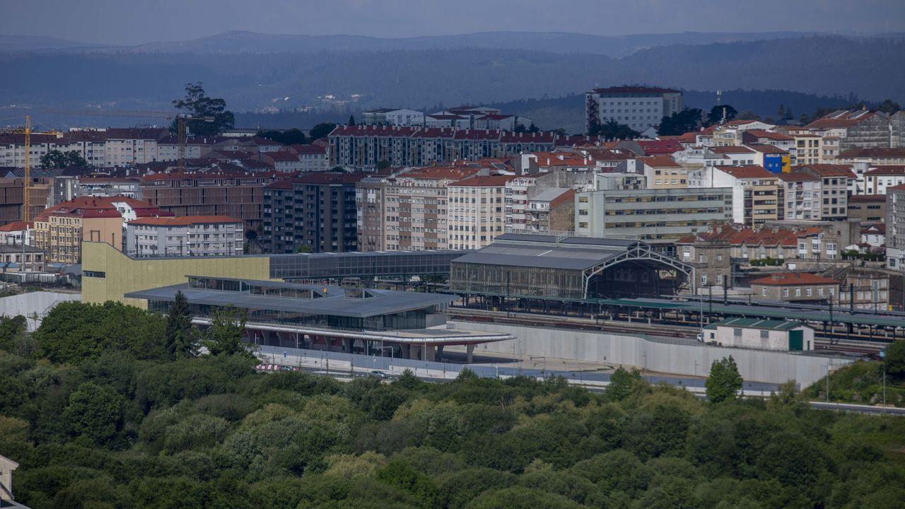 Renfe estableció unos servicios mínimos; en la foto, la estación de tren de A Coruña.