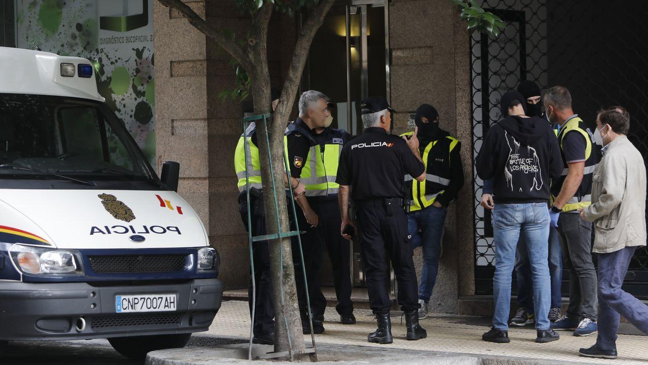 Edificio de la Audiencia Provincial de Pontevedra. El organismo ha dejado en libertad a dos de los apresados por el alijo de Santórum