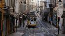 Una calle de Lisboa, vacía. El país seguirá confinado hasta Semana Santa