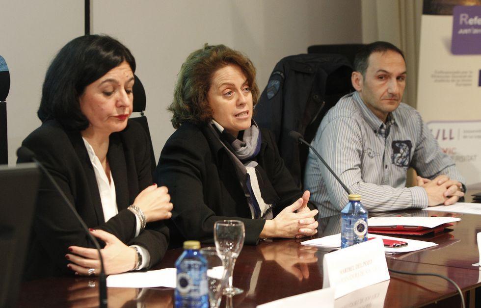 La fiscala jefa y el inspector de Extranjería intervinieron ayer en una charla sobre trata.