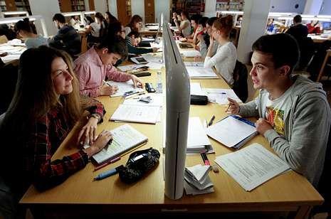 La formación actual de los especialistas médicos españoles suele durar unos once años.
