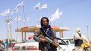 Las banderas blancas que identifican al emirato ondean en todo Afganistán