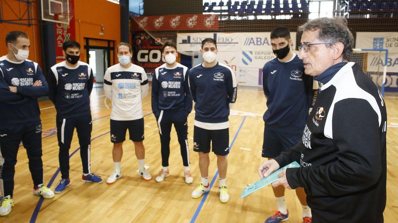 El equipo femenino de fútbol sala Burela Pescados Rubén golea al Móstoles