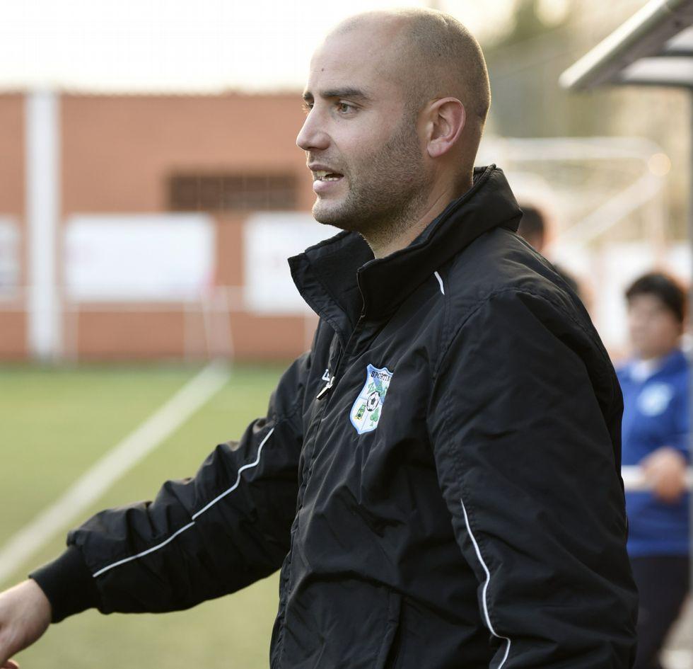 Víctor Pazos volvió al Zas.