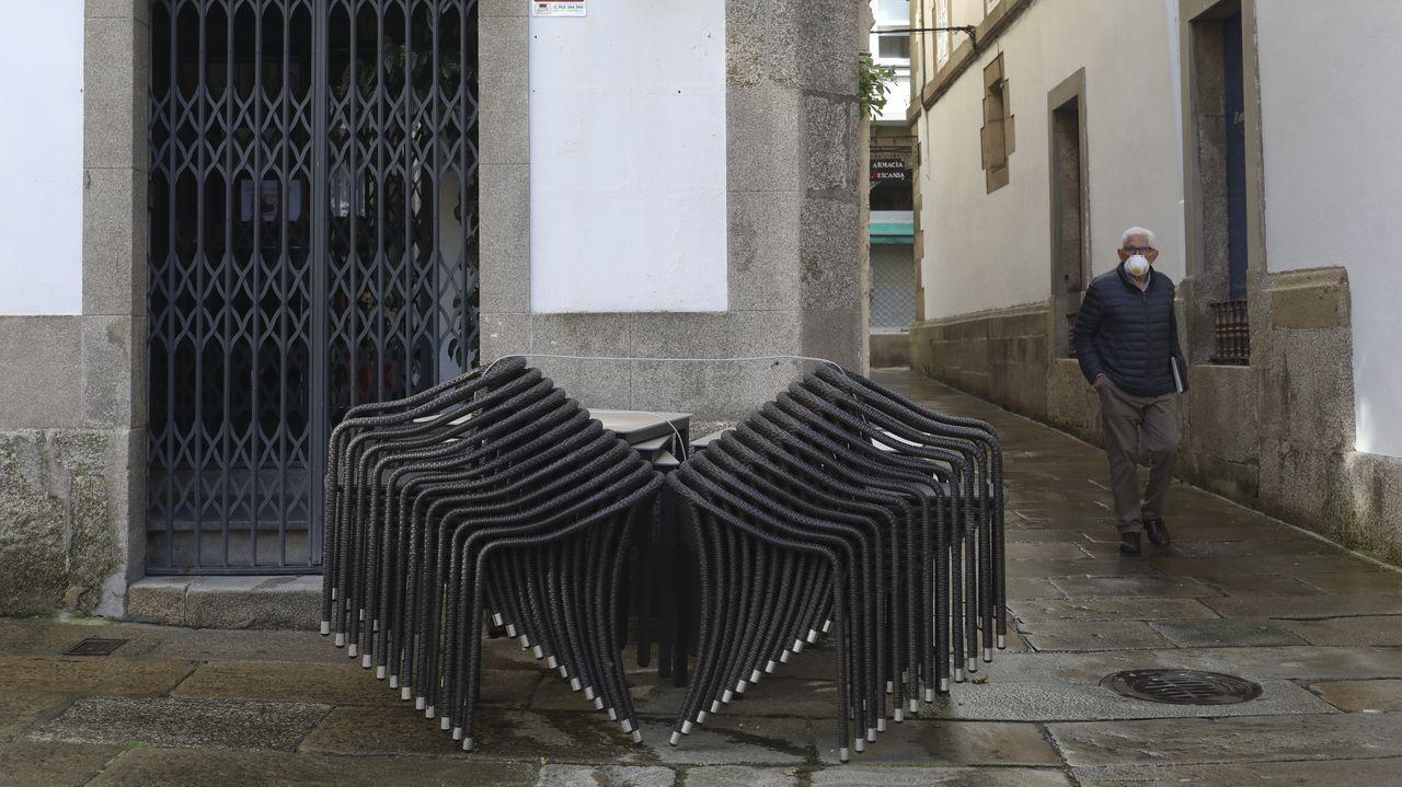 Terraza sin montar en el casco antiguo de Santiago