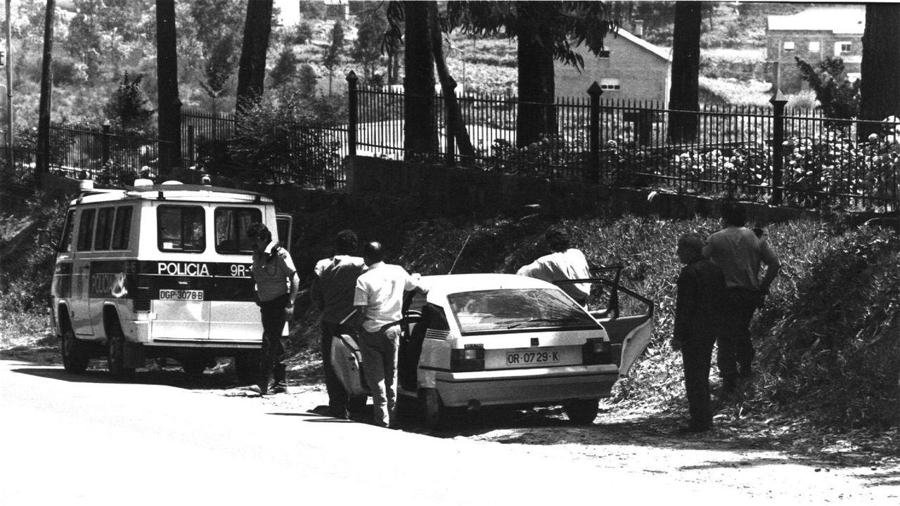 Control policial en la carretera durante la operación Nécora