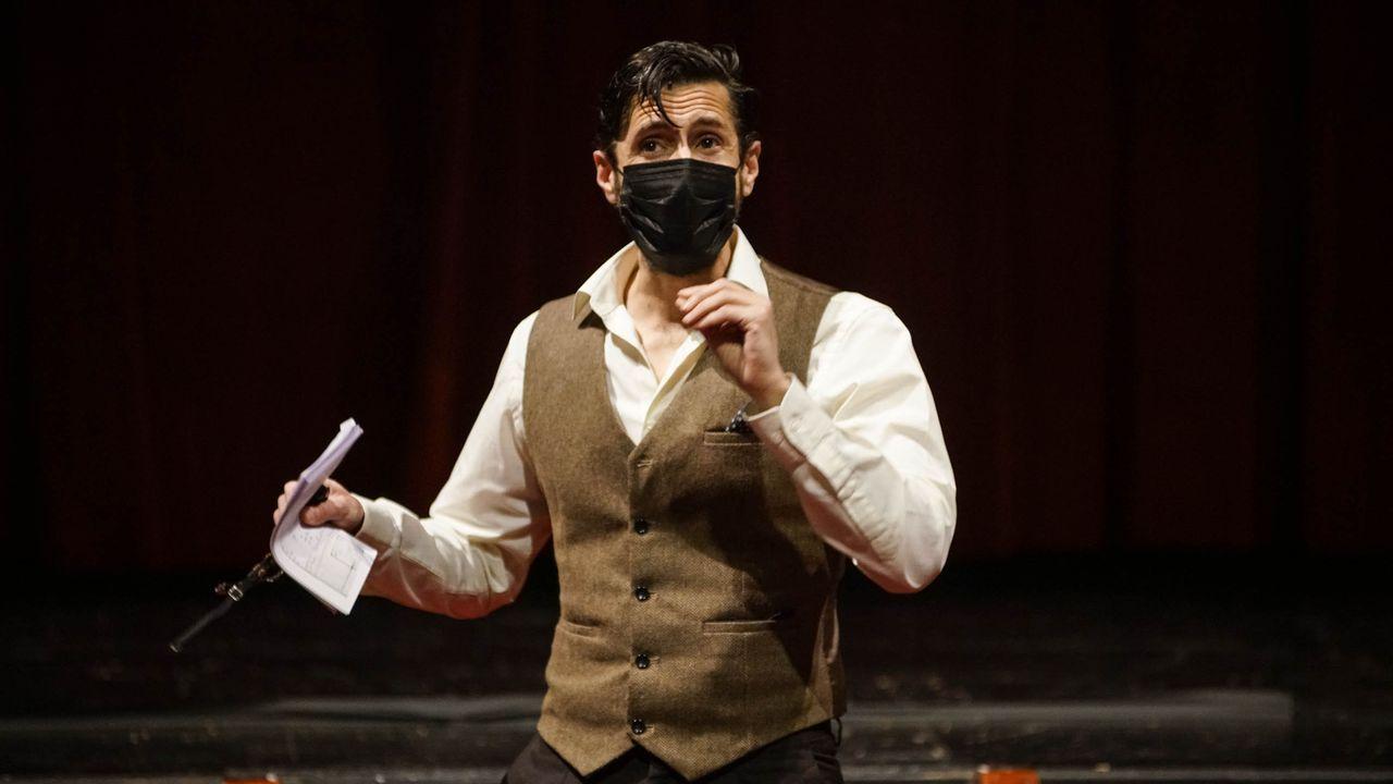 El Festival de Internacional de Xardíns abrió sus puertas.El actor, Juan Diego Botto, en una función de la obra interpretando a Lorca