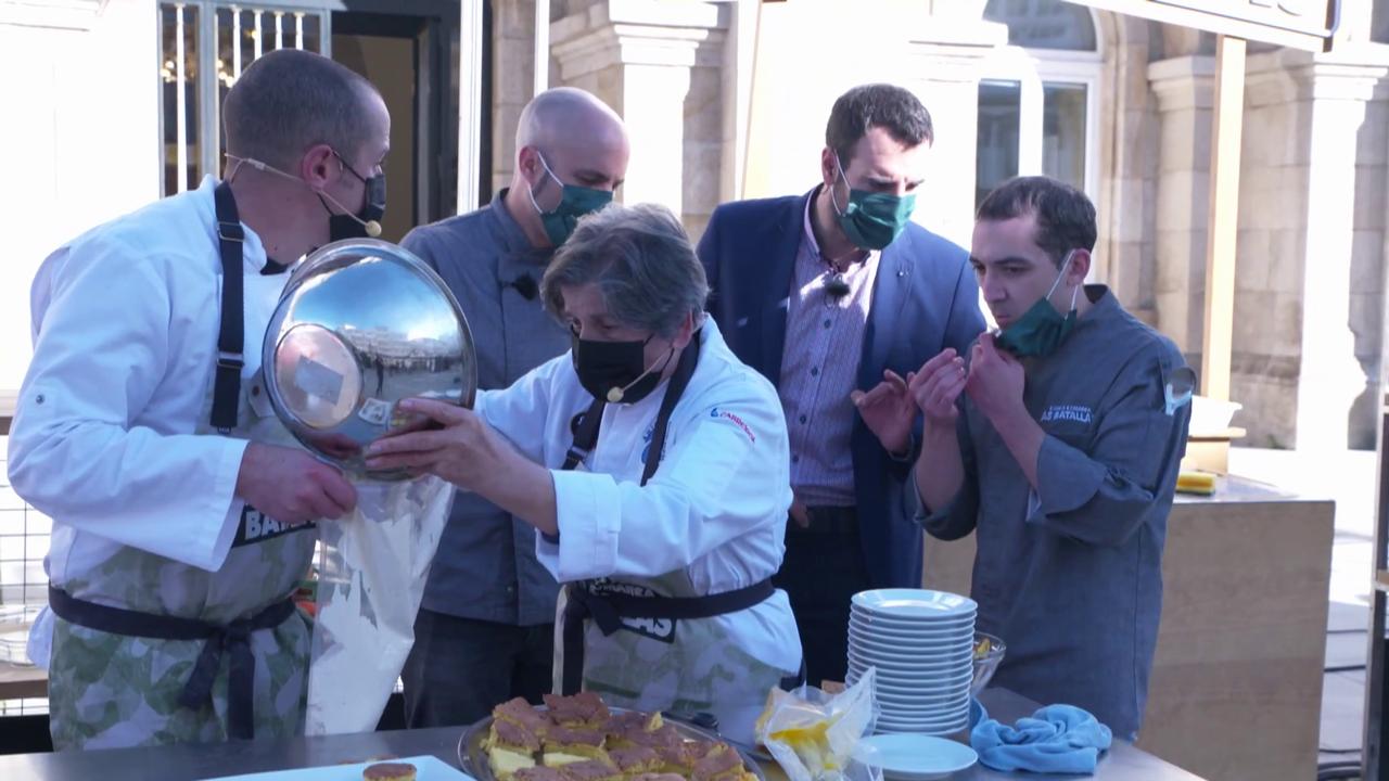 Un momento da elaboración do doce en Chantada