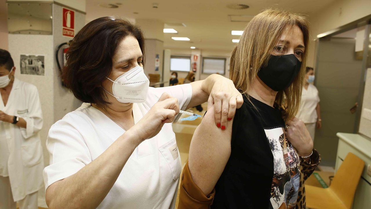 Vacunación contra el covid-19 en el hospital de Burela