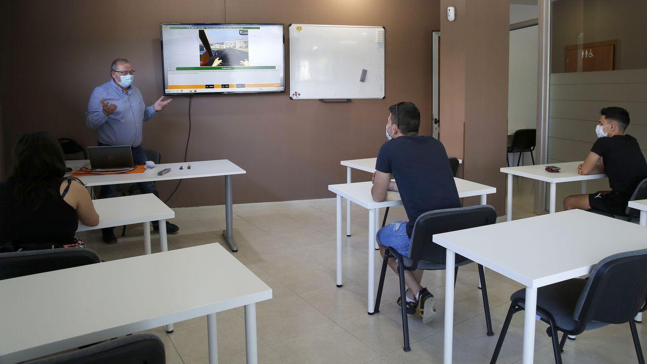 Vídeo de la asociación de empresarios de Ribeira.Entrada de Urgencias del Clínico de Santiago