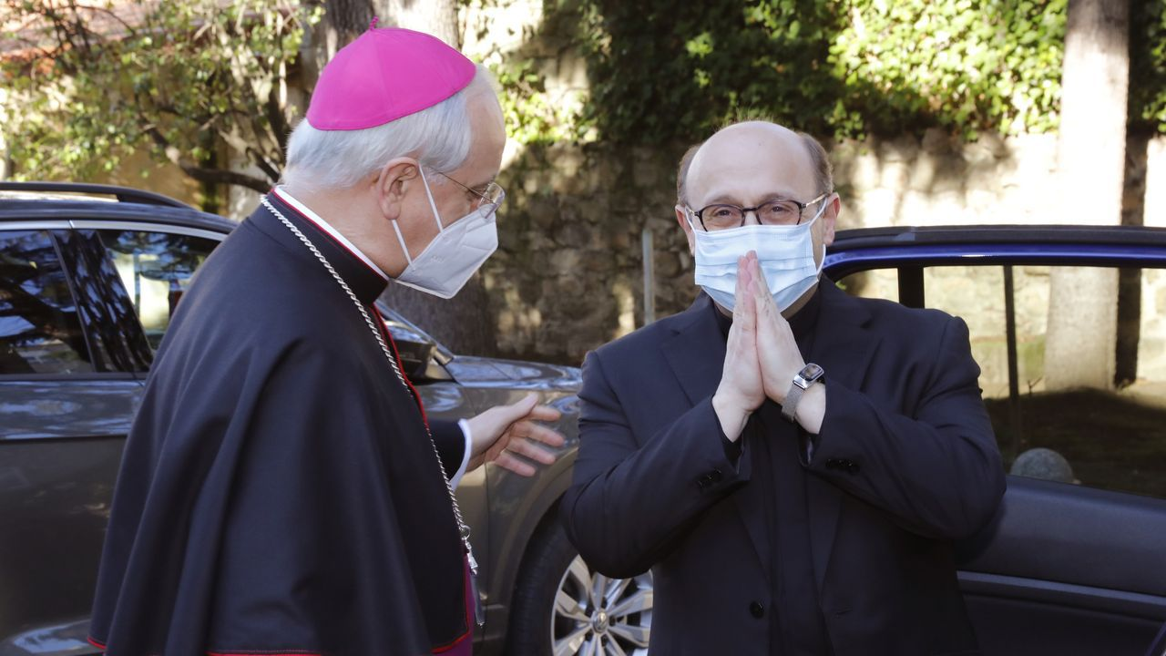 El obispo auxiliar electro, Francisco José Prieto Fernández, junto al obispo de Ourense