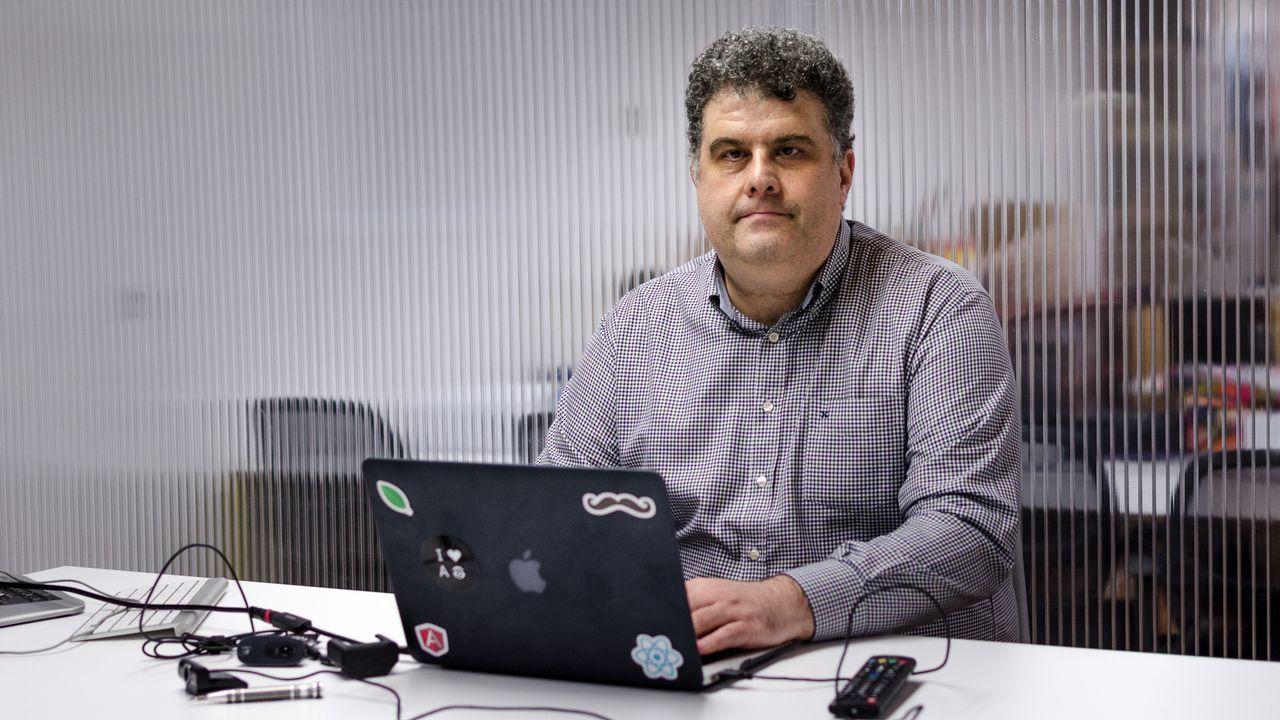 Un «hacker» se hace pasar por agente de seguros y se lleva de un cajero 300 euros de un taxista lucense.El Corte Inglés de Oviedo