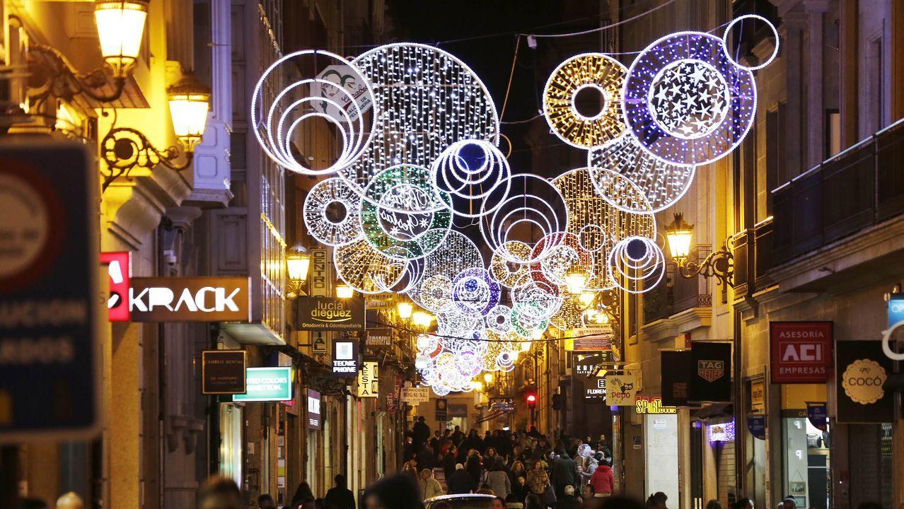 LUCES DE NAVIDAD EN OURENSE.Iluminación navideña en la ciudad