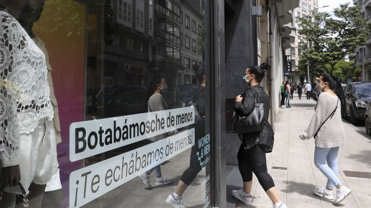 En la tienda de Adolfo Domínguez en Ourense extremaron las medidas de higiene