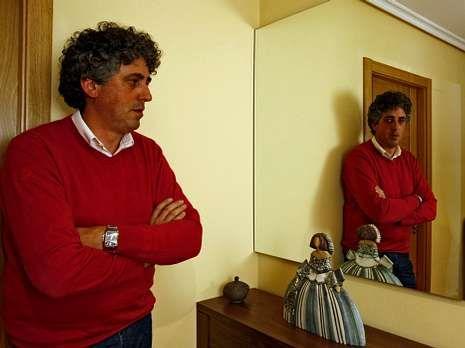 Pérez Bouza, na súa casa de A Valenzá (Barbadás).