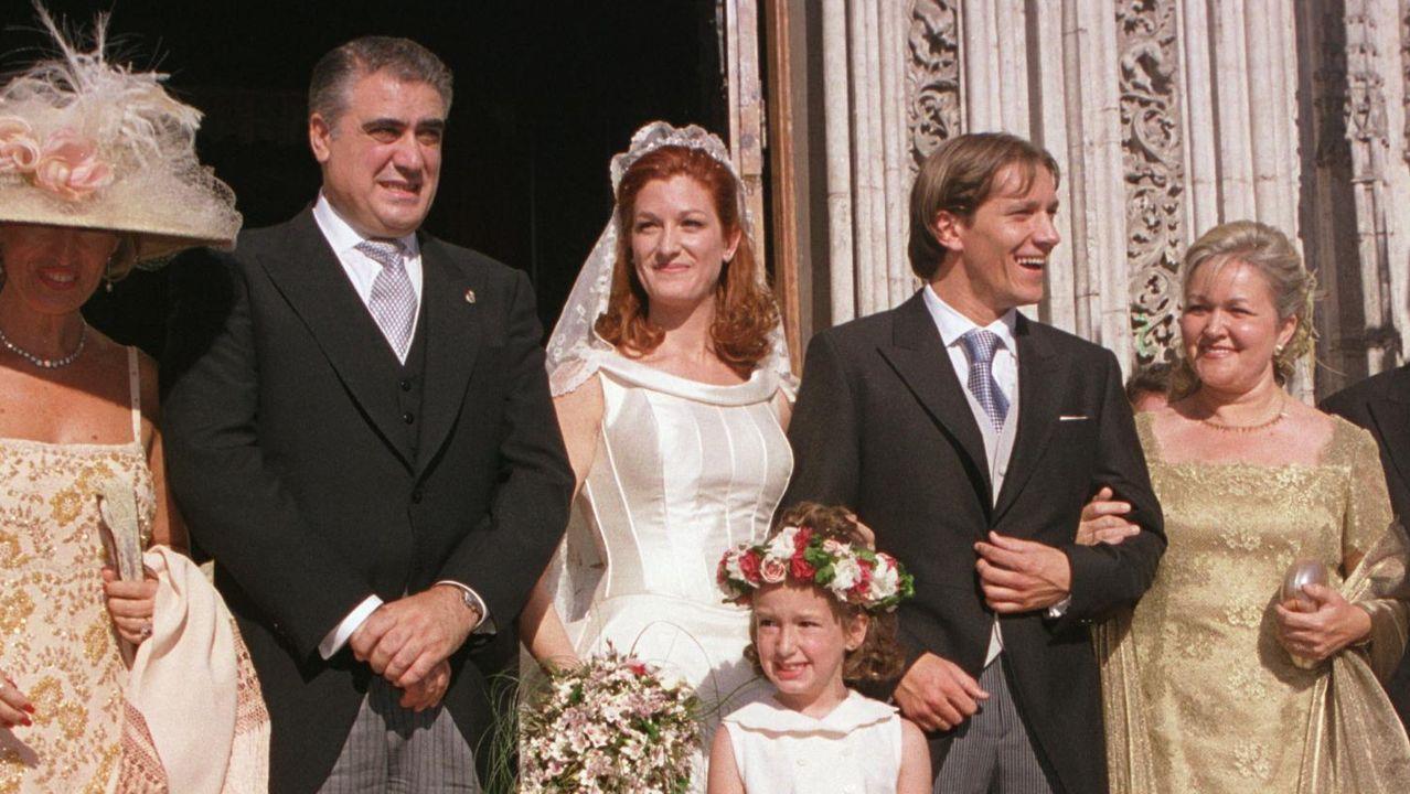 Lorenzo Sanz, su hija Malula y Míchel, el día del enlace de la pareja, en el año 2000