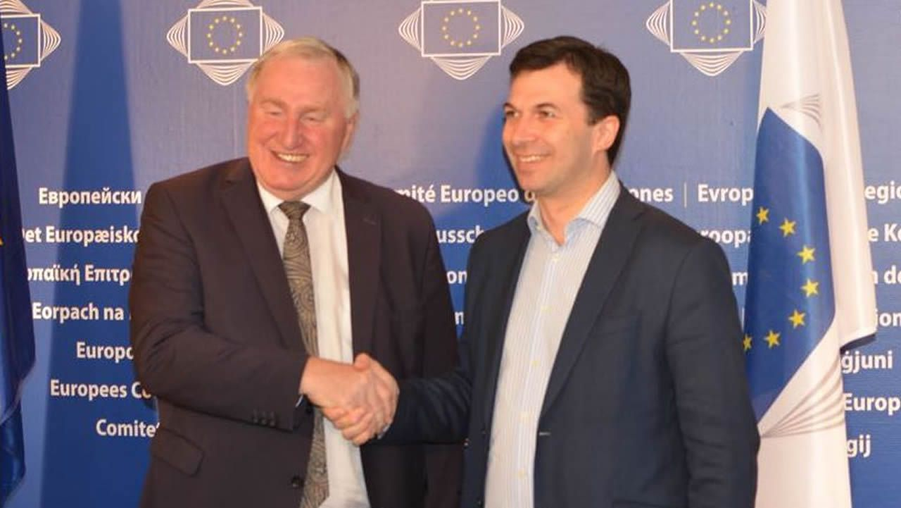 Gonzalo Caballero, ayer, con el presidente del Comité de las Regiones, Karl-Heinz Lambertz