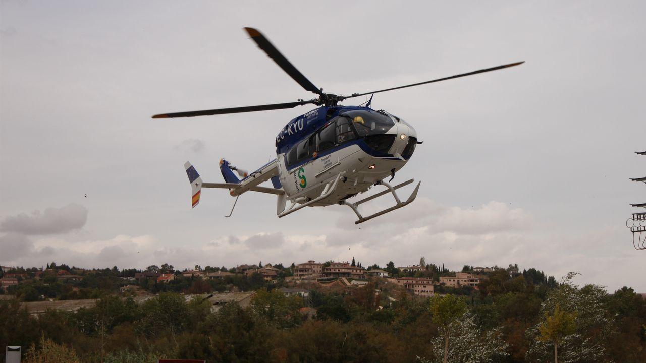 Chocanen el aire un helicóptero y un ultraligero en Mallorca.Un helicóptero del Sescam ha trasladado al herido