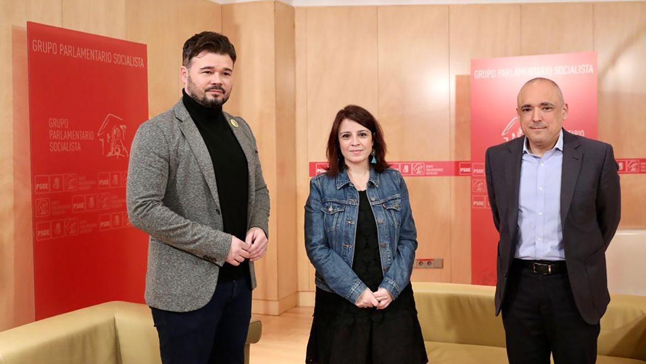 García Egea califica de «escándalo» el pacto entre Sánchez y ERC.El portavoz de ERC en el Congreso, Gabriel Rufián, junto a los socialistas Adriana Lastra y Rafael Simancas