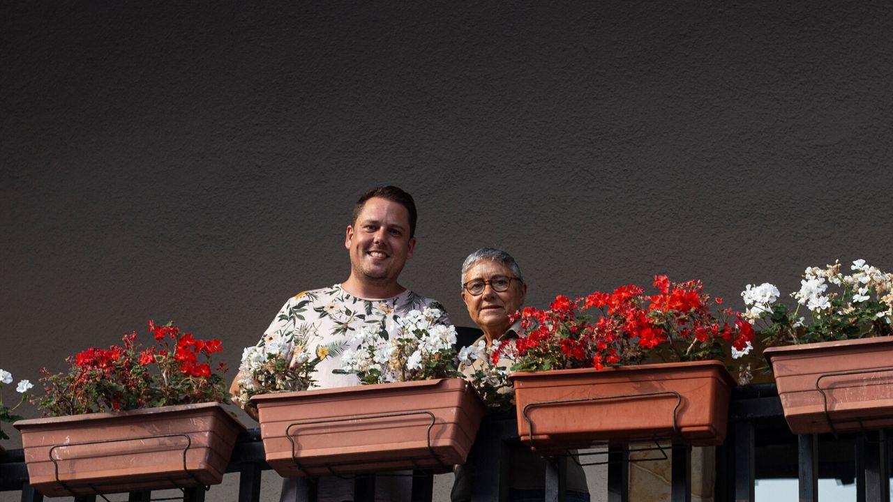 Sergio Álvarez y Belén García, presidente y vicepresidenta de la asociación vecinal de Cimavilla