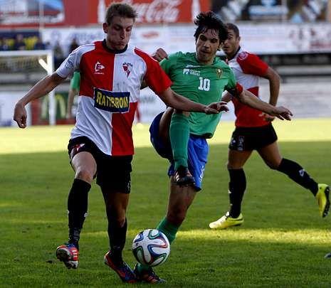 Yago Pérez es uno de los jugadores que llega al encuentro de esta tarde con molestias.