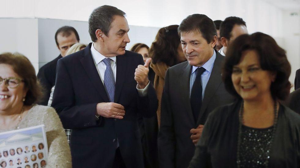 Muere Mario Soares, expresidente de Portugal.Cartel anunciador de la exposición sobre los 125 años de la Agrupación Socialista Gijonesa