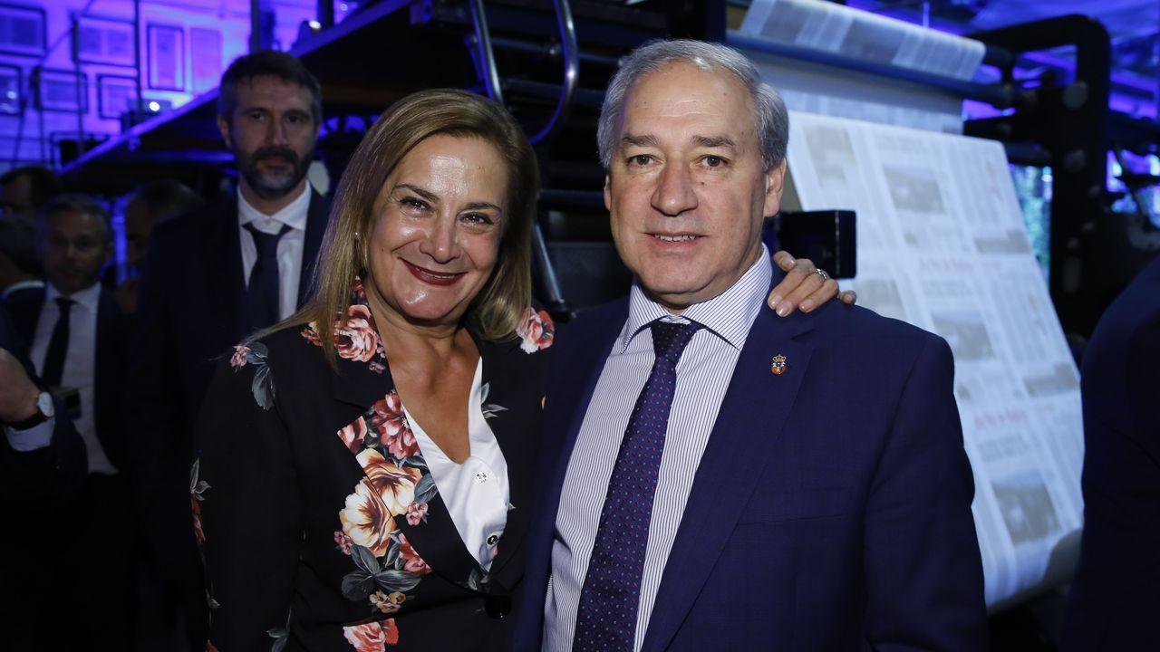 Carmela Silva, presidenta de la Diputación de Pontevedra, con José Tomé, alcalde de Monforte y presidente de la Diputación de Lugo