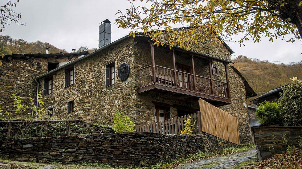 La aldea de Seceda, restaurada íntegramente, conserva un valioso conjunto de arquitectura tradicional