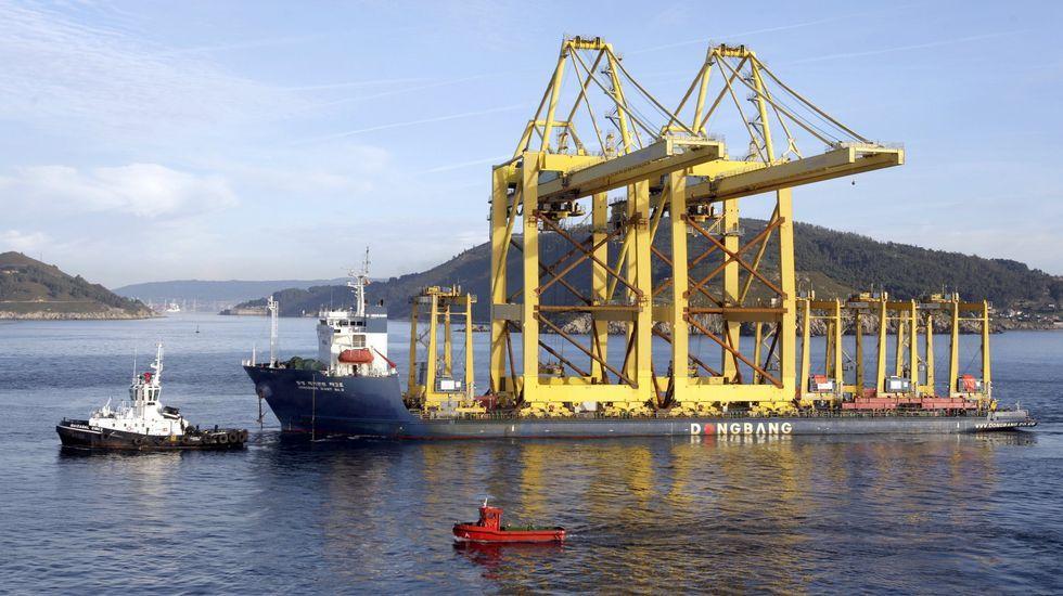 Las grúas para portacontenedores llegaron de Algeciras vía marítima