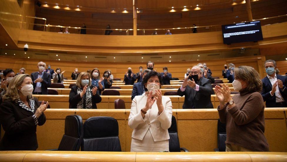 Momento de la aprobación en el Senado de la Lomloe, el pasado día 23. En el centro, de blanco, la ministra de Educación y FP, Isabel Celaá