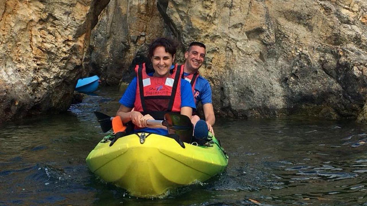4. A MARIÑA. Muchos parajes que merece la pena visitar en kayak. como ofrece Maremasma