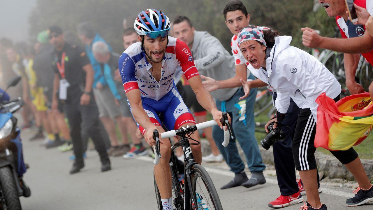 El francés Thibaut Pinot (Groupama FDJ) en los últimos metros de la decimoquinta etapa de la Vuelta 2018. ARCHIVO