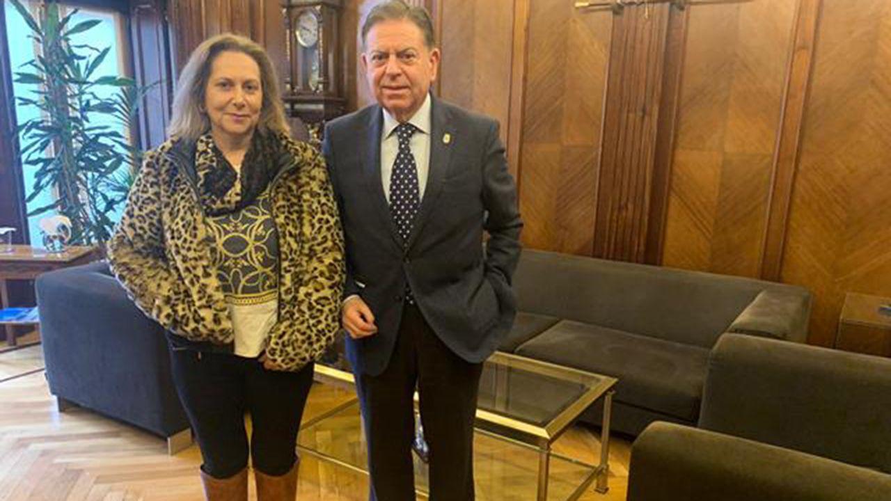 Elvira Menéndez, alcaldesa de Santo Adriano, y Afredo Canteli, Alfredo Canteli