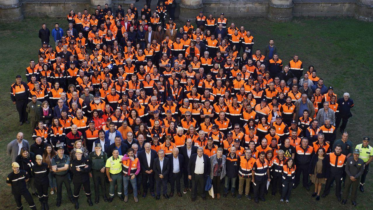 Los emigrantes recogen el premio Ourensanía.Elaboración de pan de Cea, uno de los más apreciados en Galicia, en Forno do Carlos