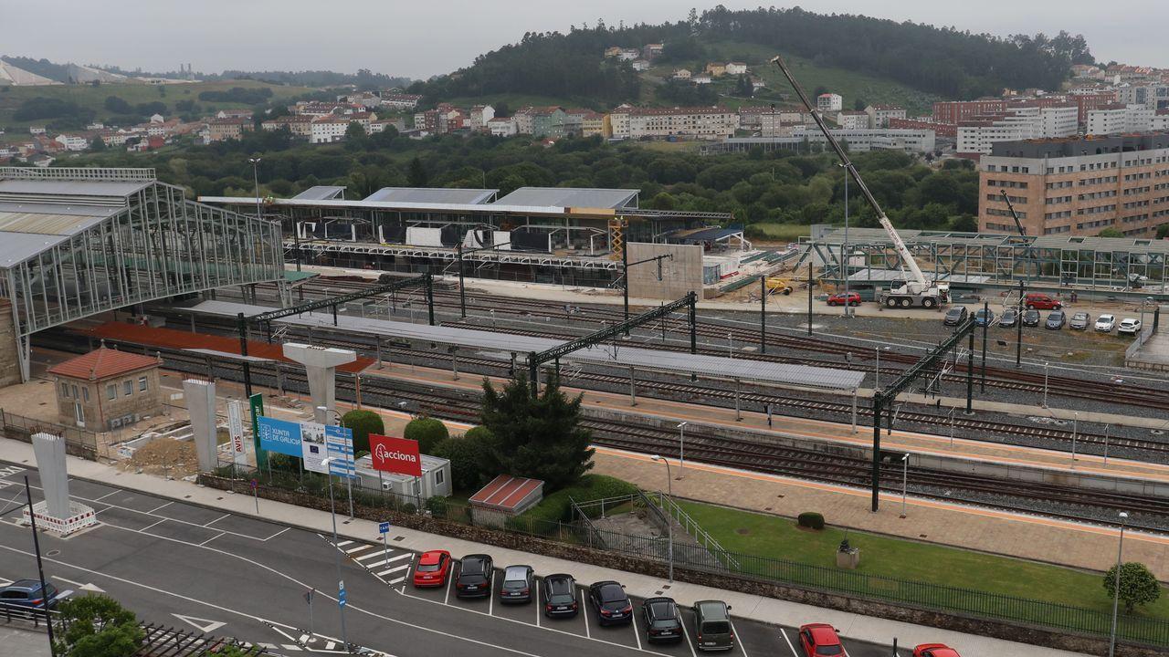Imagen de las obras de la terminal de autobuses en el entorno de la estación de tren de Santiago