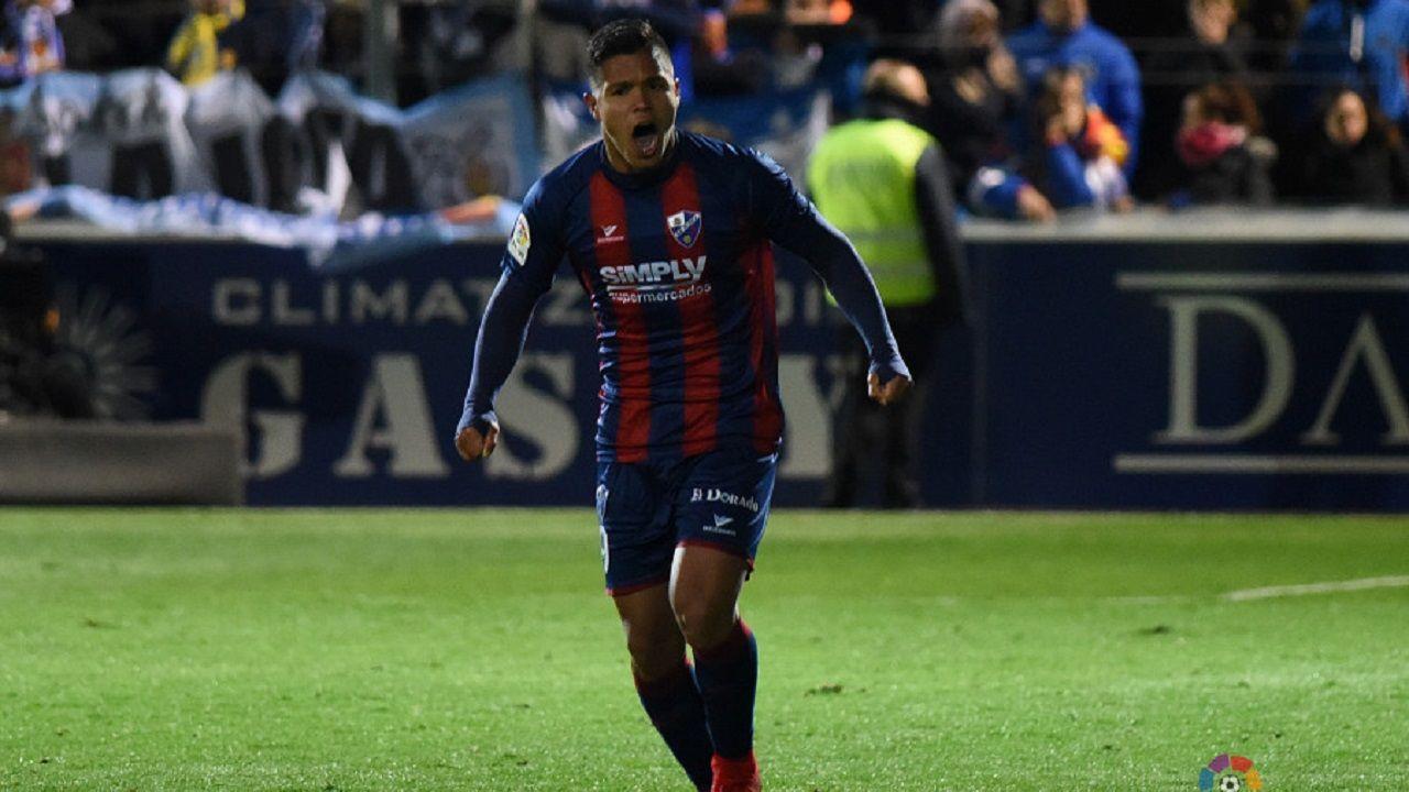 moi gomez.Cucho Hernández celebrando uno de sus goles al Zaragoza