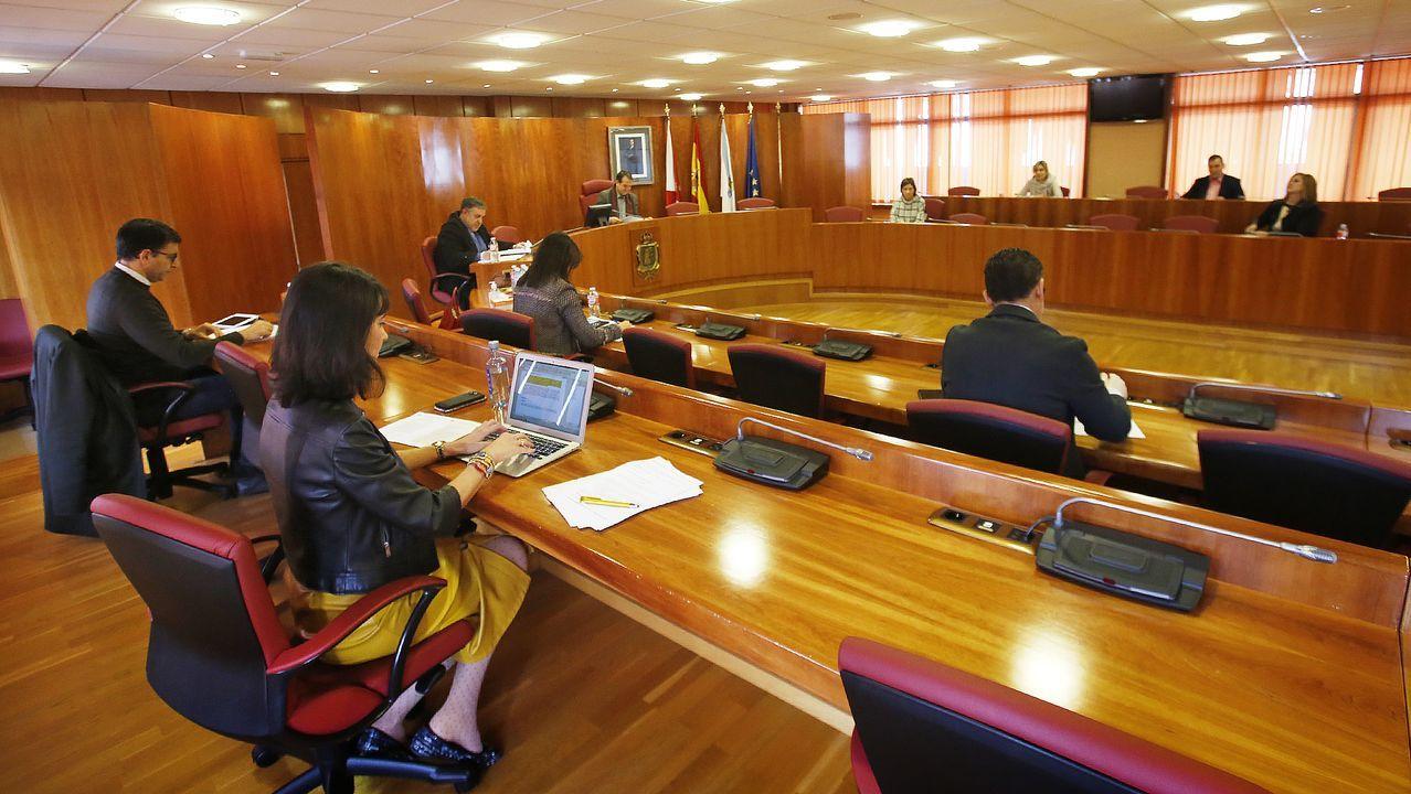 Medidas adoptadas por el Concello de Vigo. Reunión del comité de seguimiento del coronavirus en la ciudad con el alcalde de Vigo a la cabeza