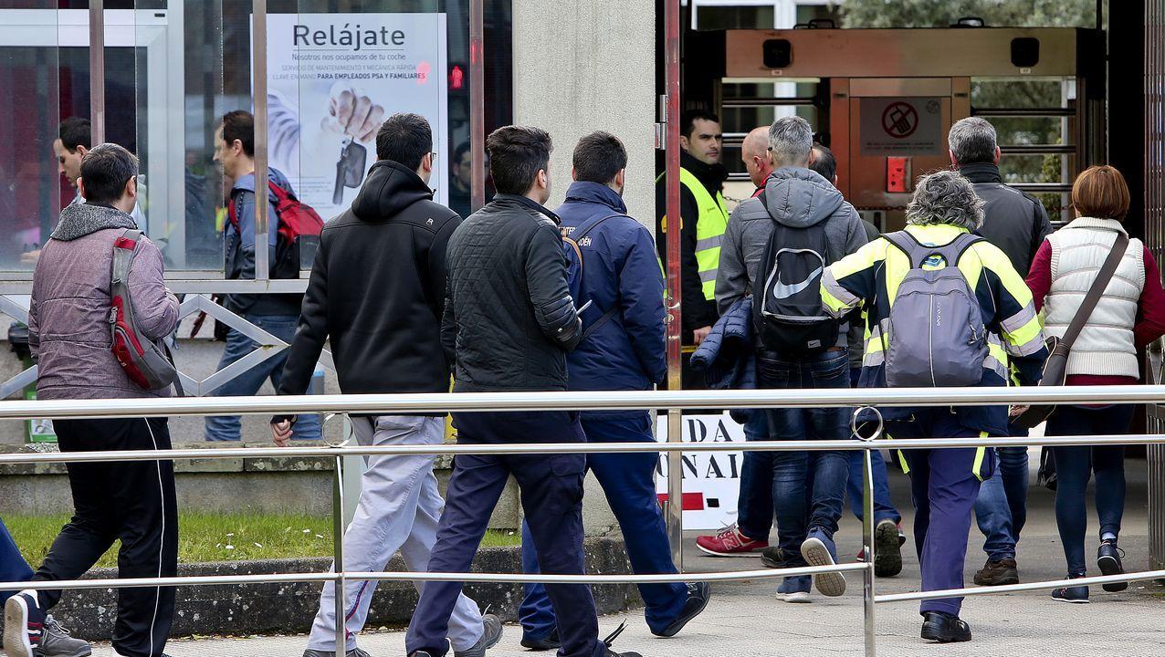 Así será trabajar en Citroën en plena crisis por el Covid-19.Los dos turismos cedidos por Peugeot al Sergas en Ourense