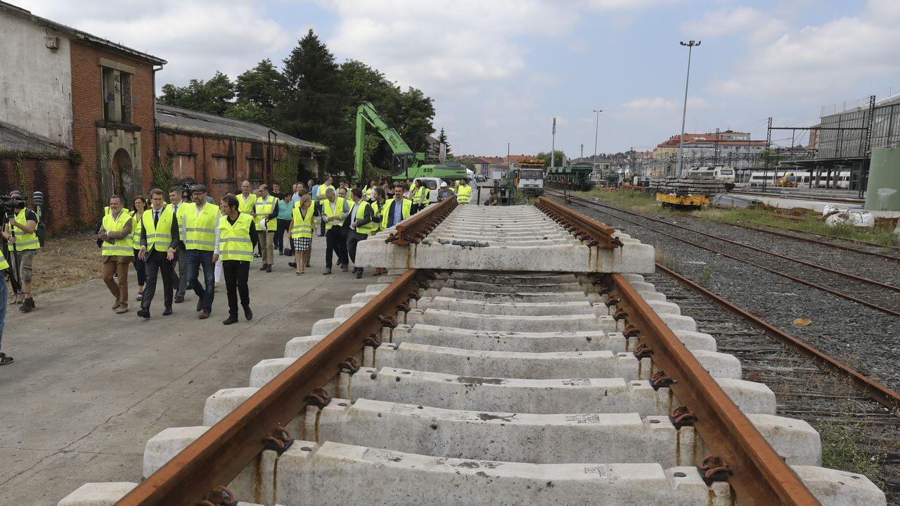 Arranca la construcción de la nueva estación de autobuses en el área ferroviaria.Concentración de la Plataforma de Víctimas del accidente de Angrois frente a los juzgados de Fontiñas