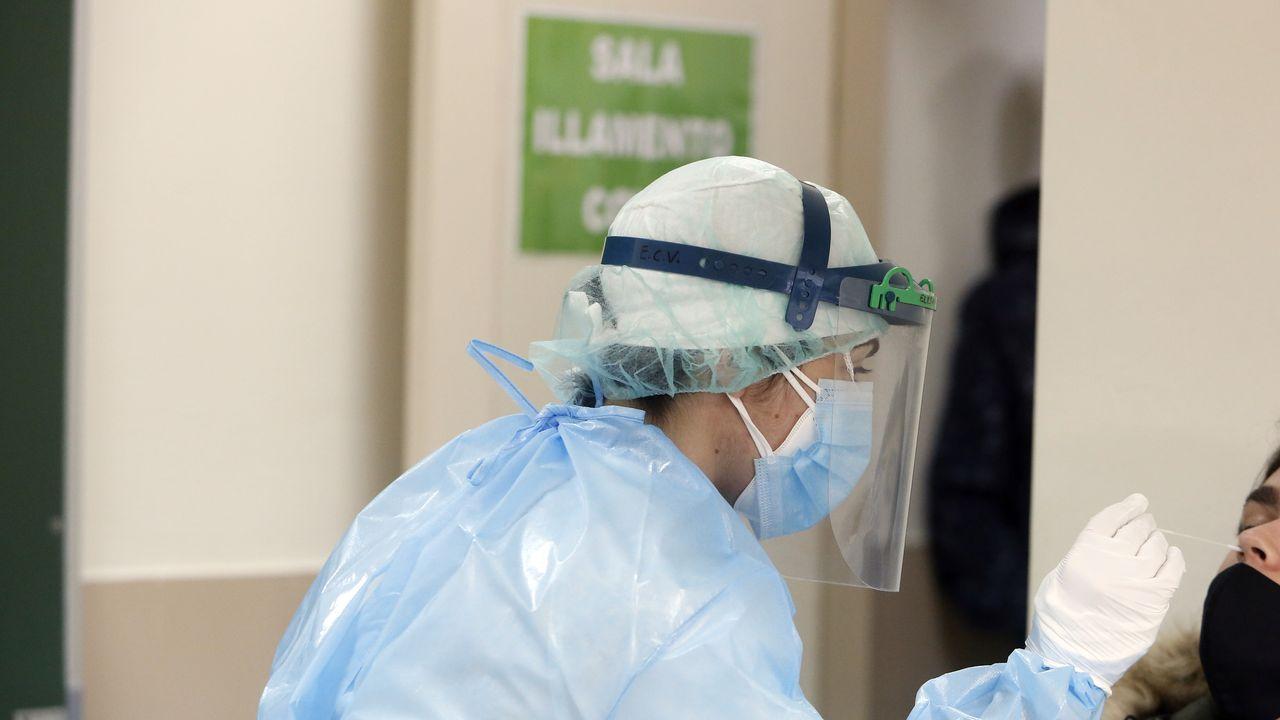 En el hospital Montecelo, en Pontevedra, hay 36 pacientes covid en planta y 11 en unidades de críticos