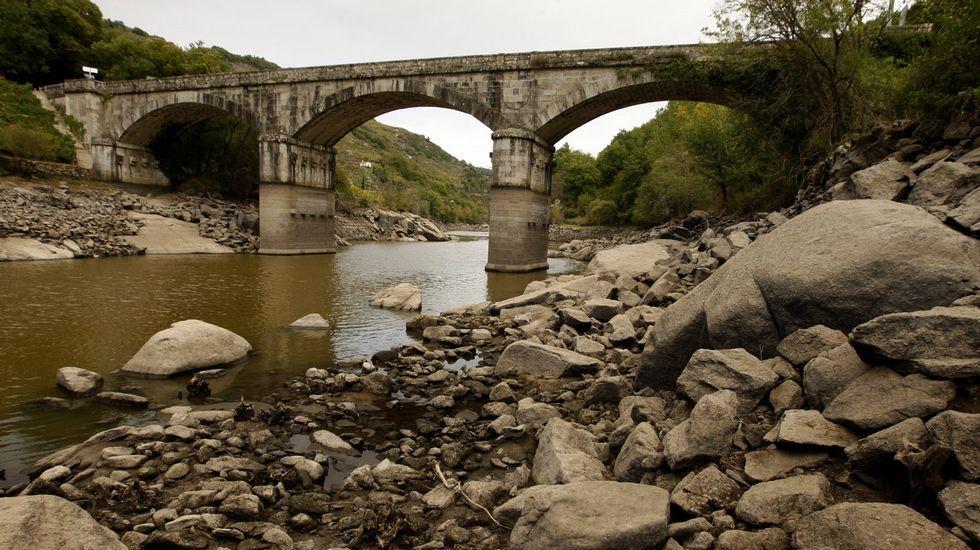 Las obras de la presa de Os Peares vistas en 1954