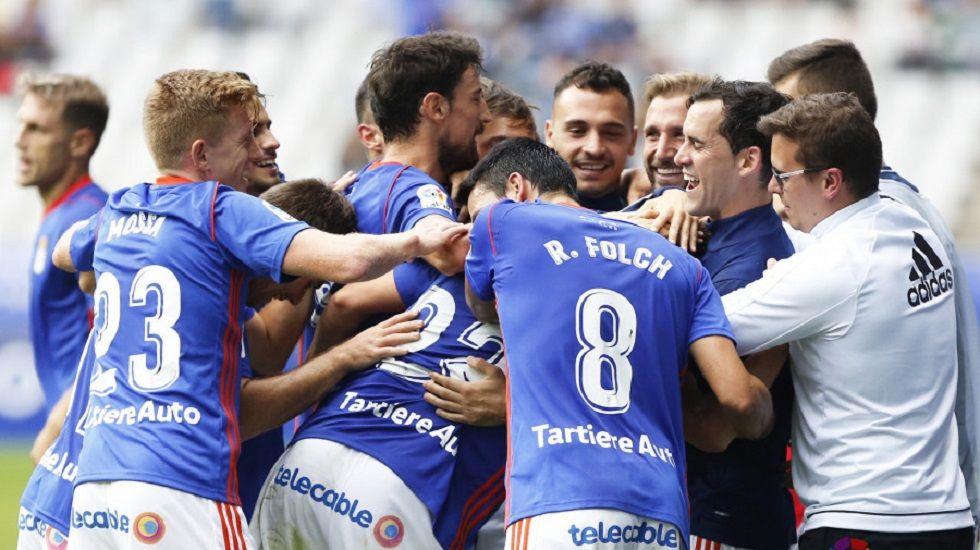 Ofrecen una vivienda a un hombre de 71 años que mendigaba en la calles desde hace 15.Los jugadores del Oviedo celebran el 3-0 al Reus