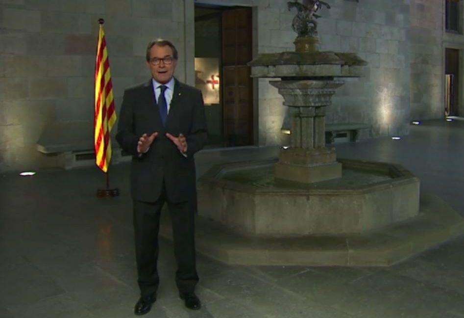 Cataluña sale a la calle en la Diada.Artur Mas ofreció anoche su discurso oficial de la Diada, que coincide con el inicio de la campaña.