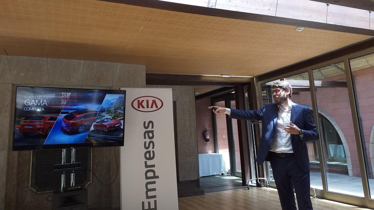 Ignacio Villegas, jefe de prensa de Kia, durante la rueda de prensa que ofreció ayer a los periodistas asturianos.