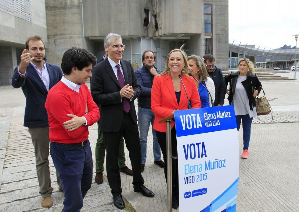 Entrevista a Cándido Cancelo, en «Cosa de dos».Elena Muñoz acudió al campus con parte de su equipo para visitar el vivero de empresas.