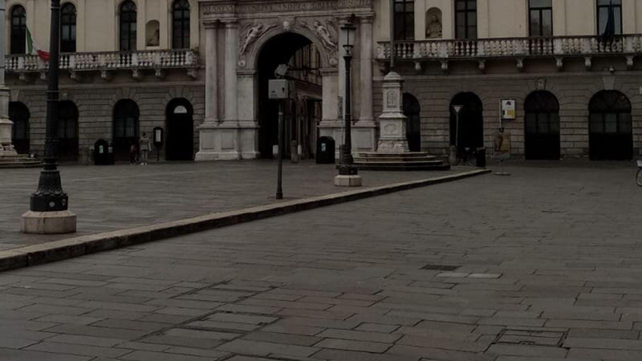 Así despidieron el carnaval los boirenses.Centro de Padua, sin nadie por la calle
